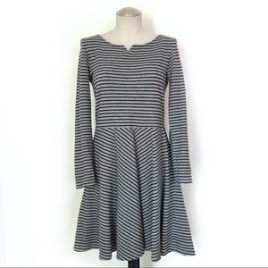 GAP Long Sleeve Fit & Flare Striped Dress Size 6